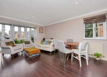 2 bed flat to rent in Wellington Way, London E3