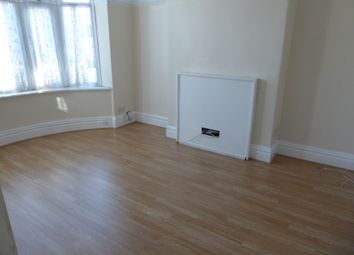 Thumbnail Room to rent in Broadhurst Avenue, Seven Kings