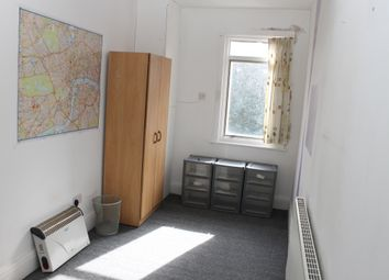 Thumbnail Room to rent in Ewart Grove, Wood Green