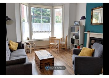 Thumbnail 1 bed flat to rent in Stockwell, London