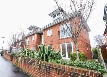 Thumbnail 1 bed flat to rent in Firgrove Road, Southampton