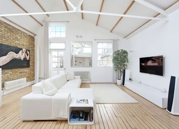 Thumbnail 2 bed mews house to rent in Clapham, London