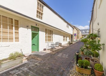 Thumbnail 2 bed flat for sale in High Street, Chipping Norton, Oxfordshire