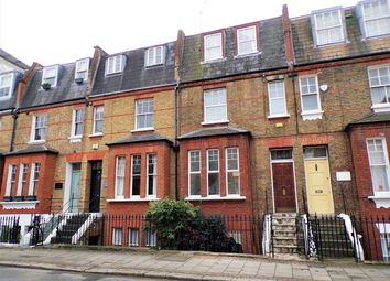 3 bed maisonette to rent in Warriner Gardens, London SW11