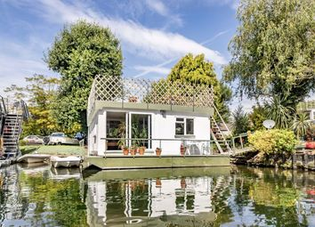 2 bed houseboat for sale in Taggs Island, Hampton TW12
