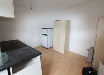 1 bed flat to rent in Russell Road Russell Road, Walthamstow E17