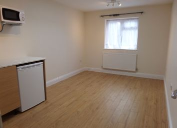 Thumbnail Studio to rent in Sixth Avenue, Hayes