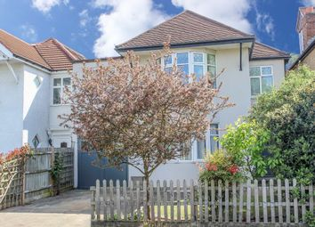 Thumbnail 4 bedroom detached house for sale in Hampton Court Way, Thames Ditton
