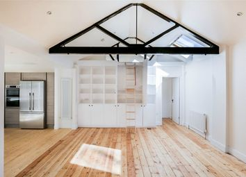 Thumbnail 2 bed detached house for sale in Highgate Hill, London