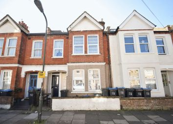 2 bed flat to rent in 2 Bed Garden, Colliers Wood, London SW19