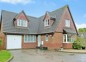 Thumbnail 4 bed detached house for sale in Moran Close, Bricket Wood, St.Albans