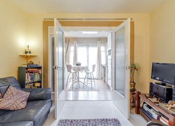 2 bed maisonette for sale in Oakleigh Crescent, London, London N20