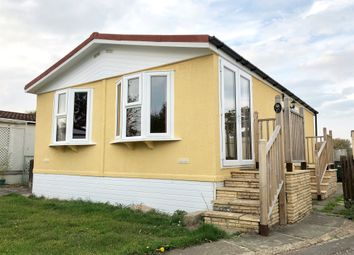 Thumbnail 2 bed mobile/park home for sale in Thameside Court, Northmoor, Witney