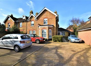 3 bed flat for sale in Avenue Road, Harold Wood, Romford RM3