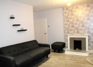 Thumbnail 2 bed flat to rent in Padnall Road, Romford
