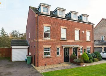 3 bed town house for sale in Woodcross Avenue, Scunthorpe DN16