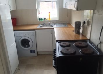 Thumbnail 5 bed shared accommodation to rent in Cardigan Street, Luton