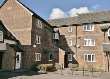 Thumbnail 2 bed flat to rent in Wensum Drive, Didcot, Oxon