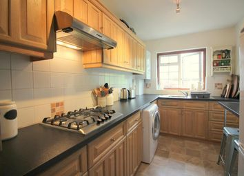 2 bed maisonette to rent in Ickenham Road, Ruislip HA4