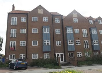 Thumbnail 2 bed flat to rent in Trinity View, Gainsborough