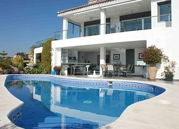 Thumbnail 5 bed villa for sale in Cerrado De Calderon, Malaga, Spain