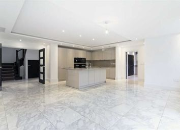 Thumbnail 5 bed flat to rent in Chandos Way, London