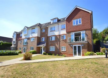St. Monicas Road, Kingswood, Tadworth KT20. 3 bed flat