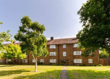 Thumbnail 2 bed flat for sale in Grand Drive, Raynes Park