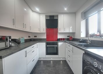 3 Bedrooms Detached bungalow for sale in Roehampton Drive, Trowell, Nottingham NG9
