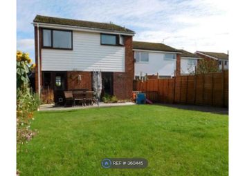 Thumbnail 3 bed detached house to rent in Birch Road, Godalming