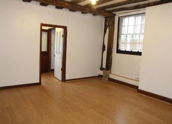 2 bed flat to rent in Victoria Avenue, Southend-On-Sea SS2