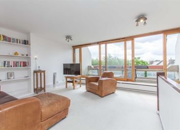 Thumbnail 2 bed flat to rent in Stoneleigh Terrace, Archway, London