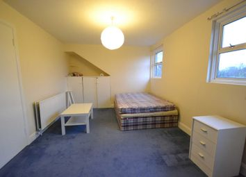 Thumbnail 1 bed maisonette to rent in Craven Avenue, London