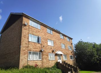 Thumbnail 2 bed flat to rent in Ridgeway Road, Redhill