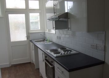 Thumbnail Room to rent in Swyncombe Avenue, London
