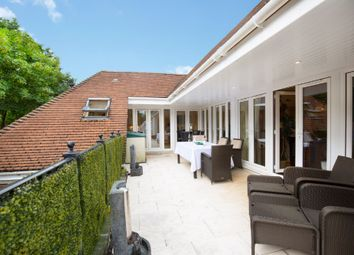 Thumbnail 3 bed flat for sale in Ascot, Berks