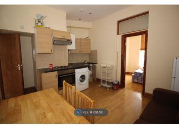 Thumbnail 2 bed flat to rent in Kings Crescent, London