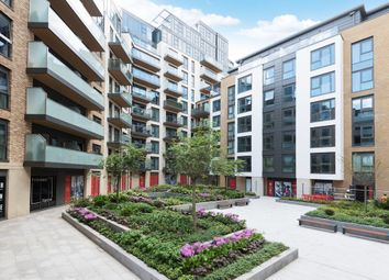 Thumbnail 1 bed flat to rent in Discovery House, Battersea Reach, London