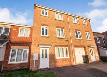 4 bed town house to rent in Longfield Avenue, Bilborough, Nottingham NG8