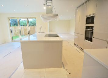 Thumbnail 5 bed detached house for sale in Newark Road, North Hykeham