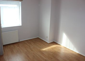 Thumbnail Room to rent in Osward Place, London