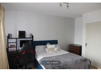 Thumbnail Room to rent in Red Lion Court, Hatfield