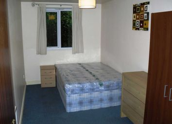 2 bed flat to rent in Wynnstay Grove, Fallowfield, Manchester M14