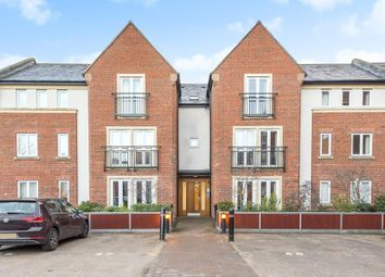 Thumbnail 2 bed flat for sale in Old Amersham, Buckinghamshire