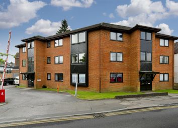 Thumbnail 1 bed flat to rent in Brook Road, Redhill