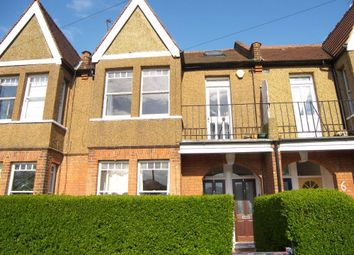 2 bed maisonette to rent in Moor Mead Road, St Margarets, Twickenham TW1
