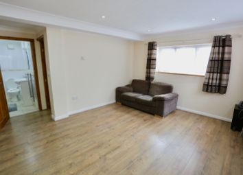 Thumbnail 1 bed flat to rent in Eastfield Road, Burnham, Slough