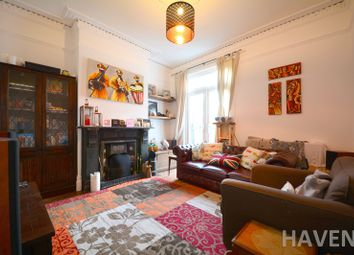 Thumbnail 2 bed flat to rent in Hertford Road, East Finchley, London