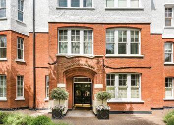 Thumbnail 2 bedroom flat for sale in South Parade, Chiswick, London