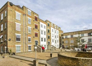 Thumbnail 2 bed flat to rent in Old Castle Street, London
